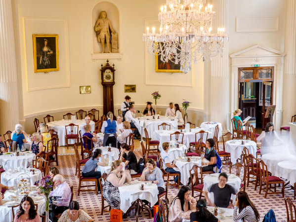 Image: Customers dining in the PUMp Room Restaurant